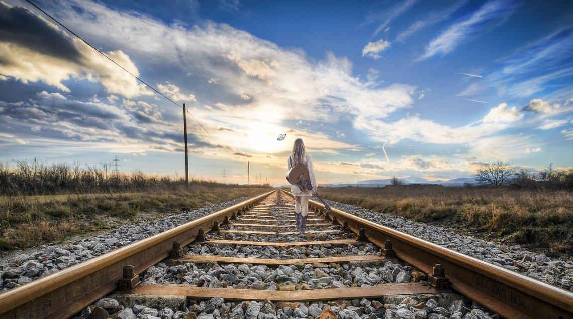 Guitariste sur rails