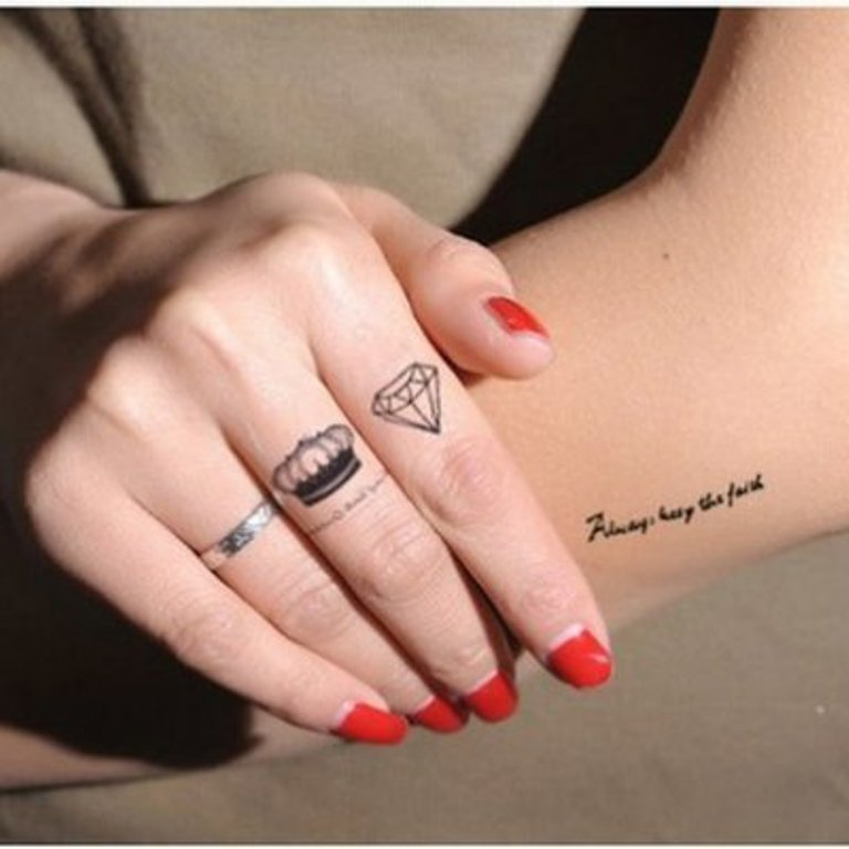 King Crown Tattoo On Finger