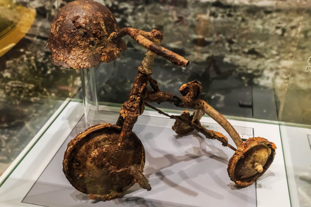 Hiroshima-Peace-Memorial-Museum-Tricycle-Burnt.jpg