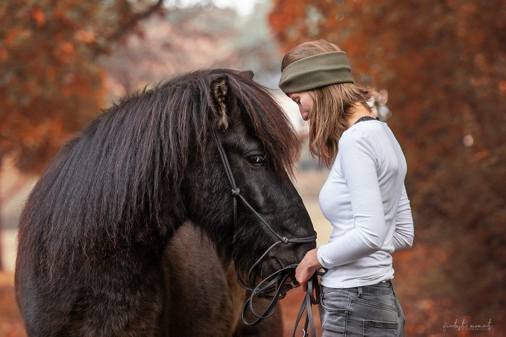 Pferd und Besitzerin Portrait
