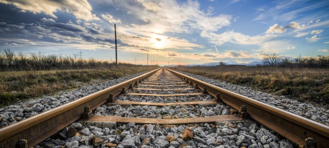 Railsbank steams into US
