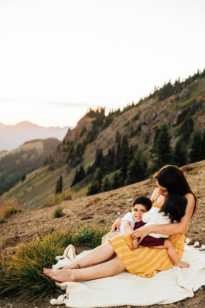 Beautiful mama & kiddos in the Olympic National Park
