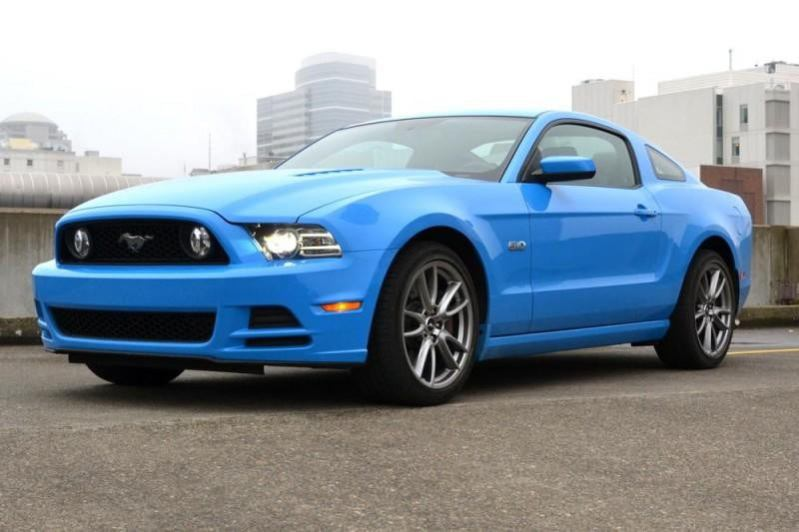 2013 ford mustang gt review front angle 2 800x600 800x533 c 1