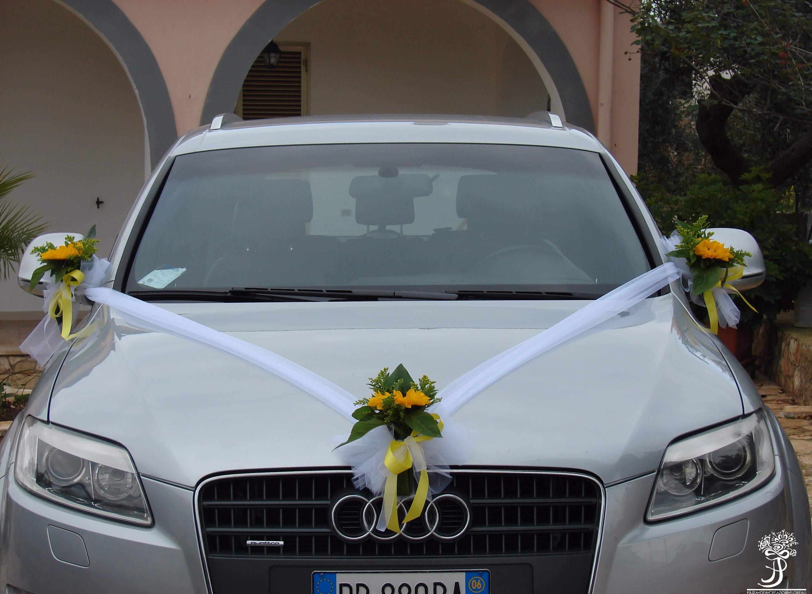 Hochzeit Blumenschmuck Auto