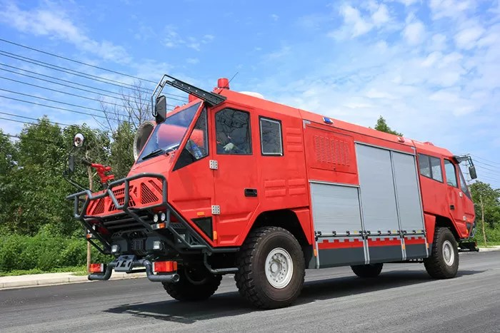 tunnel rescue fire fighting truck with cafs smoke exhaust system