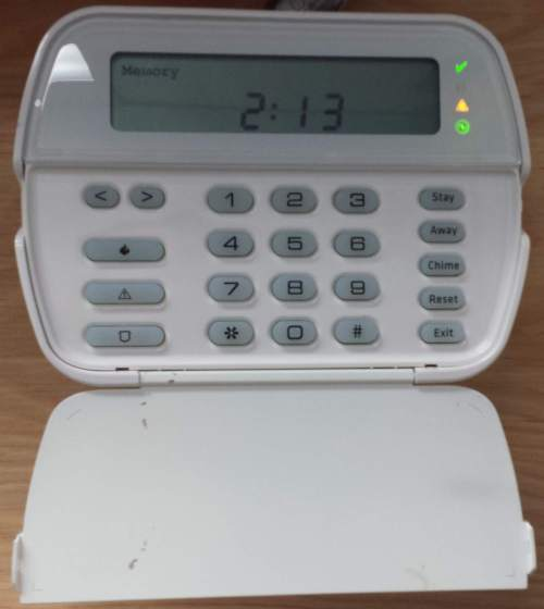 small resolution of dsc power series security alarm keypad with trouble light