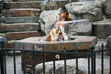 fire-and-water-outdoor-kitchen-36