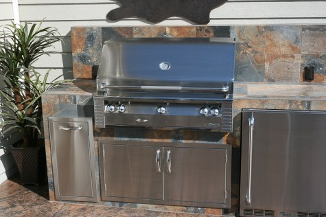 fire-and-water-outdoor-kitchen-37