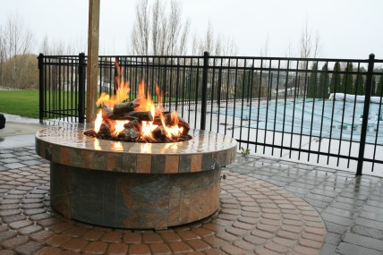 fire-and-water-outdoor-kitchen-70