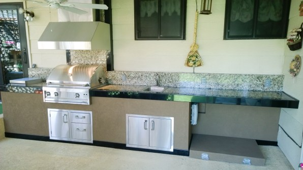 fire-and-water-outdoor-kitchen-85