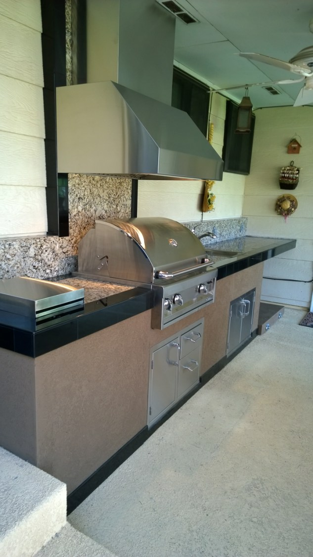 fire-and-water-outdoor-kitchen-86