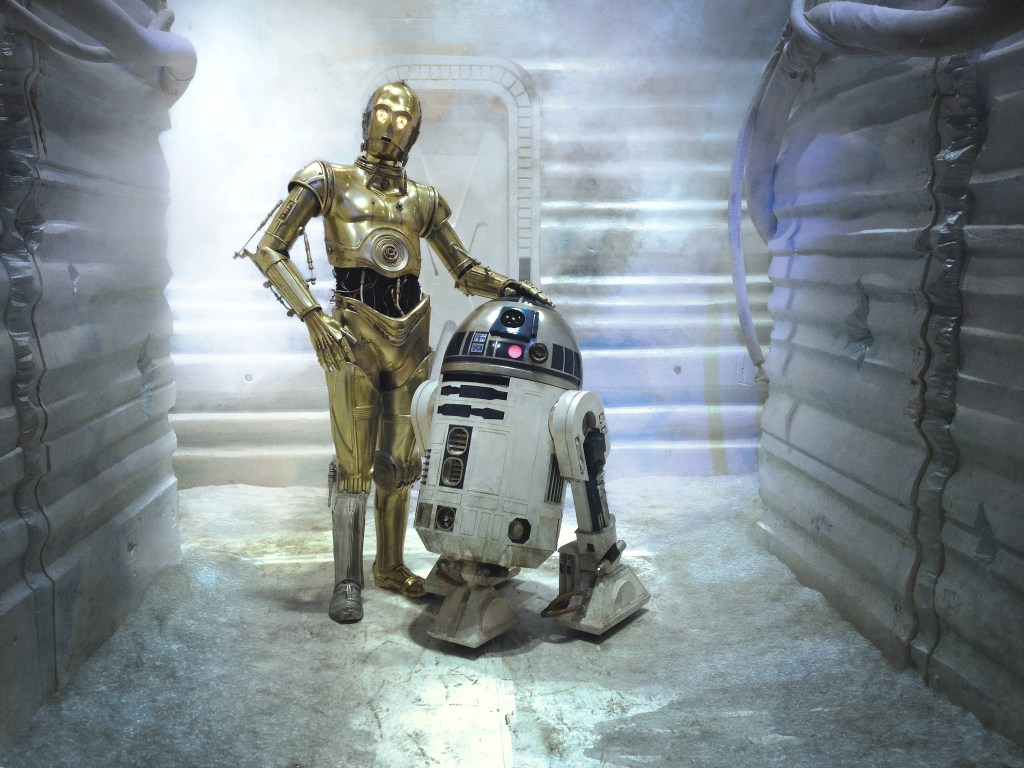 C3PO and R2D2 in a hallway at the Hoth base