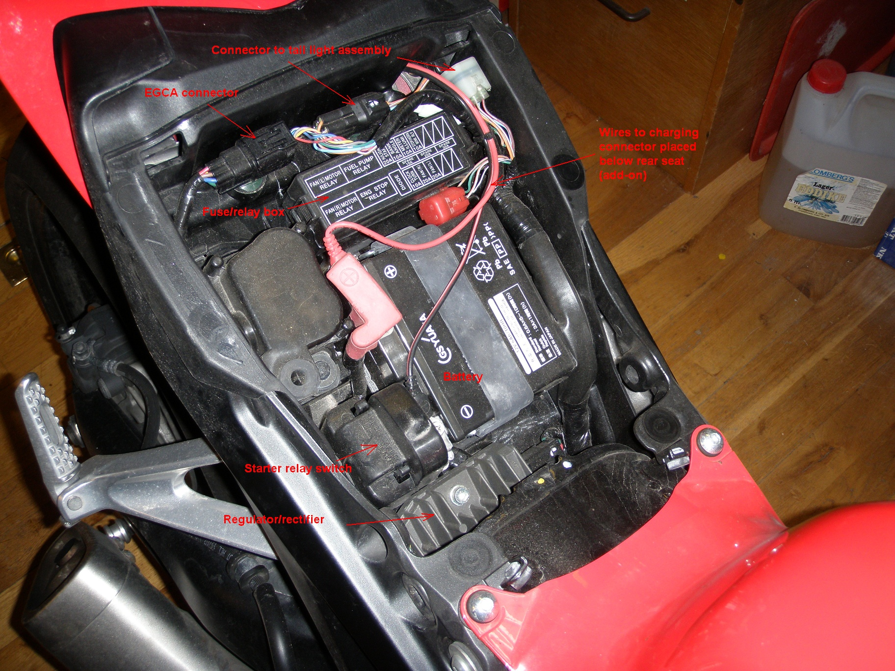 hight resolution of seat and side covers removal installation cbr1000rr8 diy 06 cbr 1000 rr fuse box location cbr1000rr fuse box