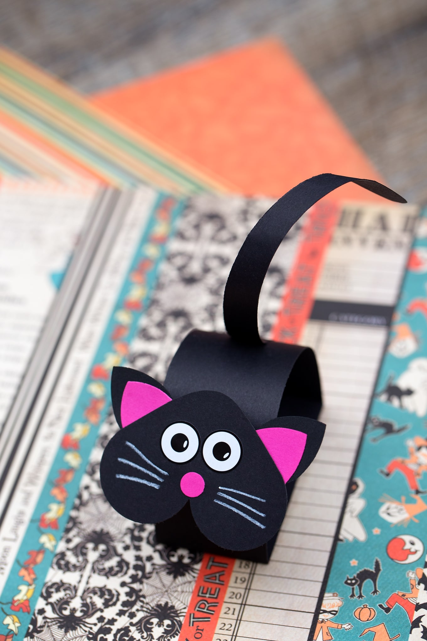 Easy and Fun Black Cat Craft for Halloween