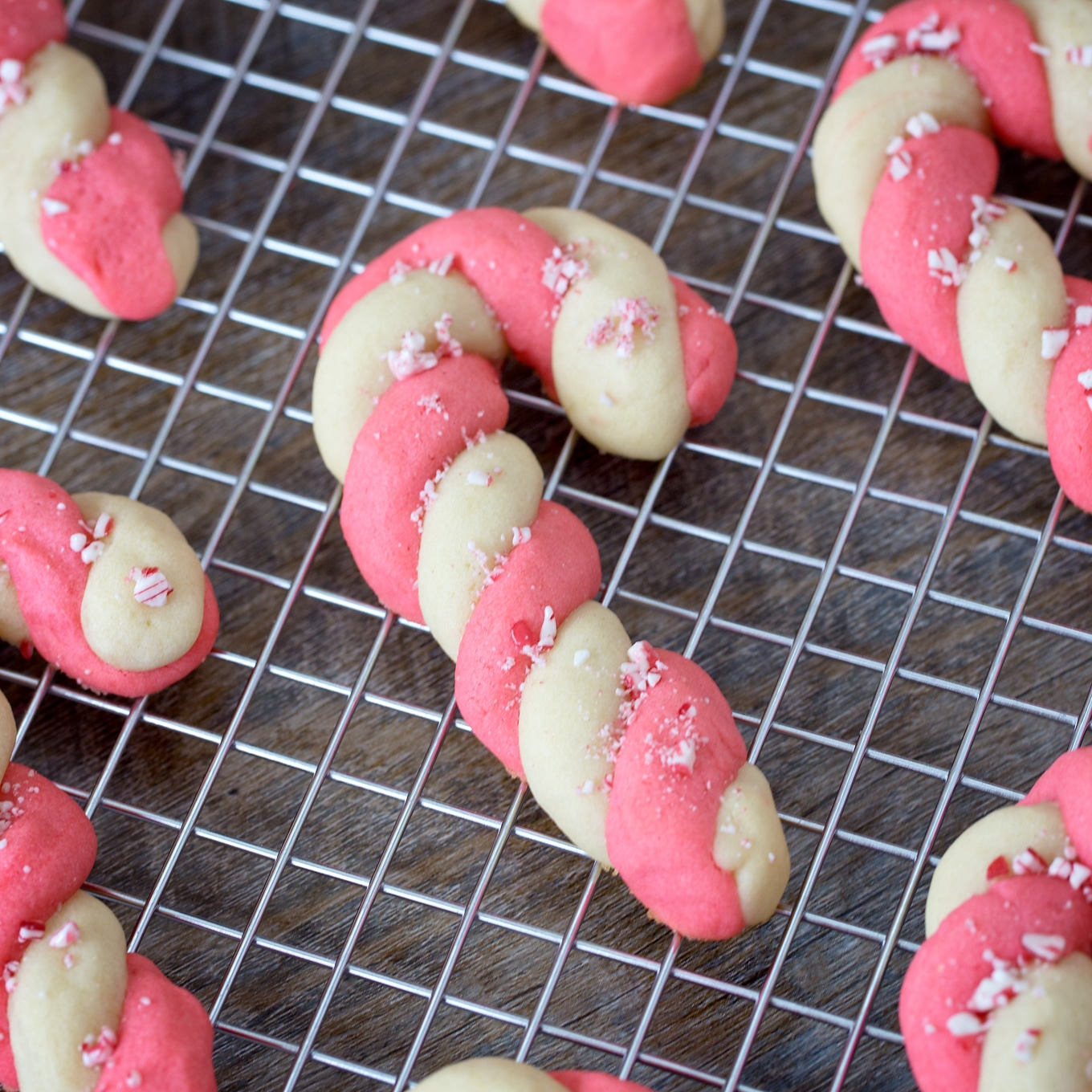 Peppermint Candy Cane Cookies with Crushed Peppermint