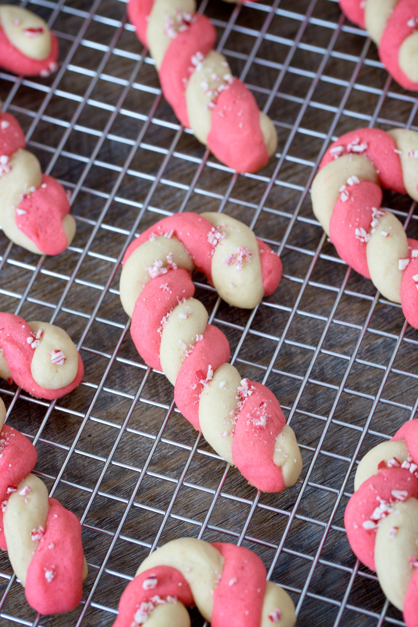 Easy and Fun Candy Cane Cookies for Christmas