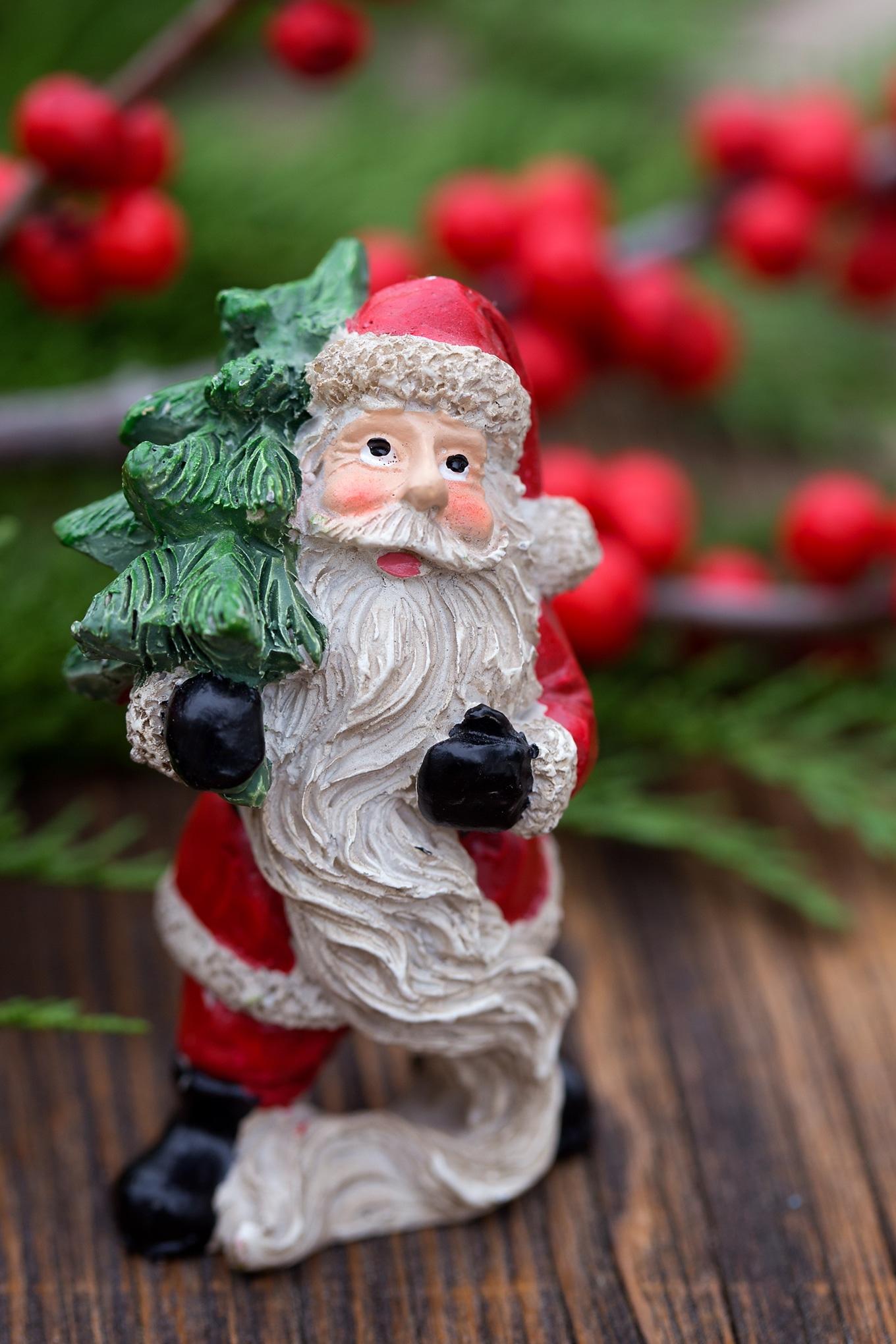 Santa Mini Figure for Christmas Teacup Garden