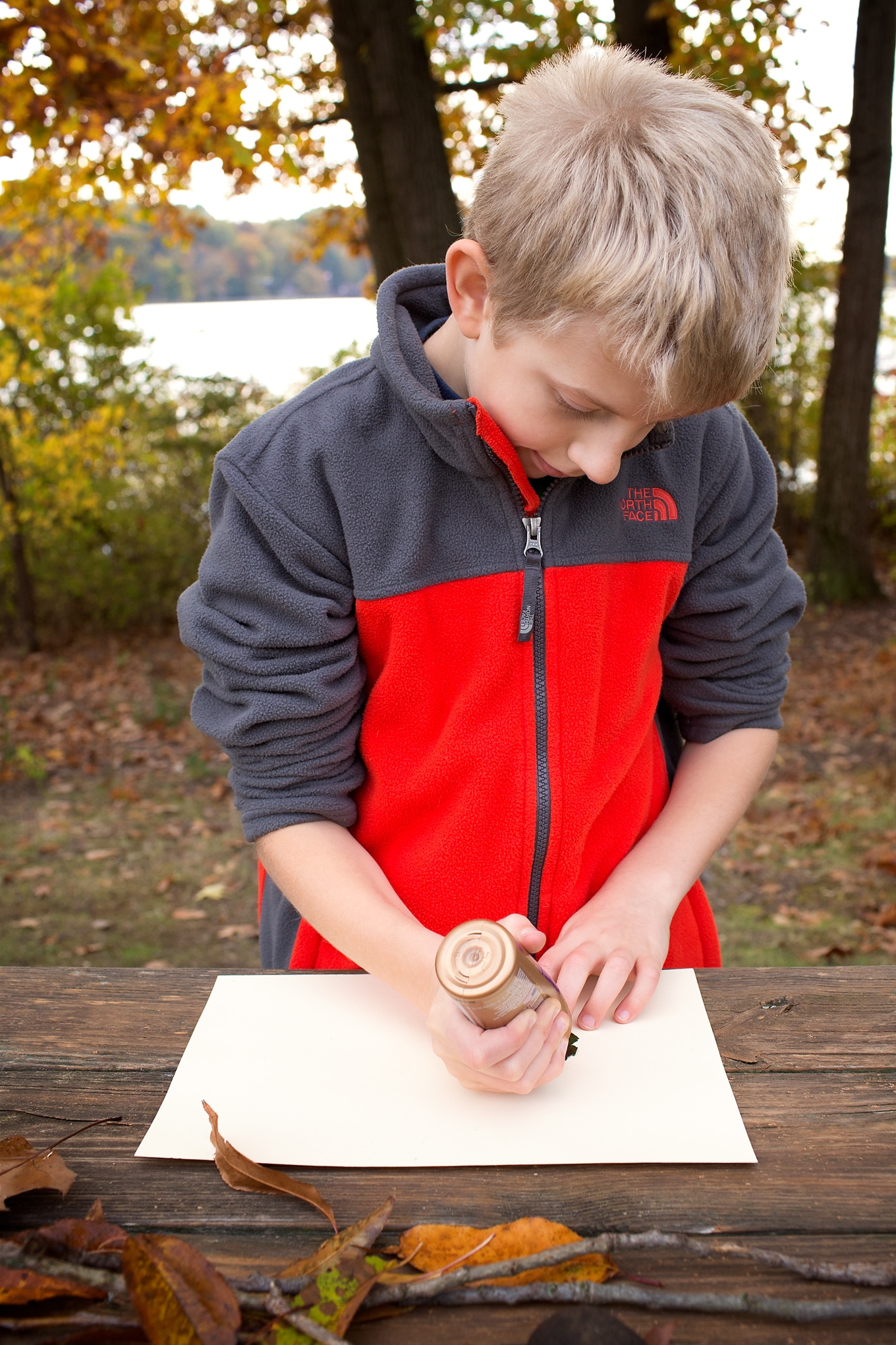 Kids of all ages will enjoy using leaves, twigs, pebbles, and pine cone to make creative nature art! It's the perfect fall nature craft for kids.