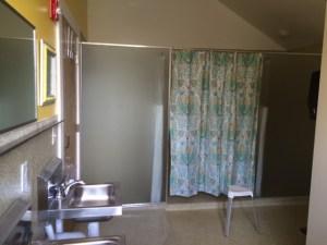 womens bathroom (3)