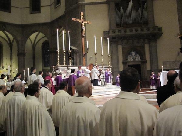 La cerimonia delle Sacre Ceneri in Cattedrale con il Cardinale Betori