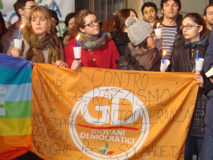Slogan contro il razzismo e la strage di piazza Dalmazia