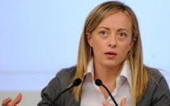 Livorno, Giorgia Meloni attacca il M5s: «Requisire le case sfitte? Follia comunista»