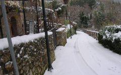 Fiocchi di neve imbiancano la Toscana