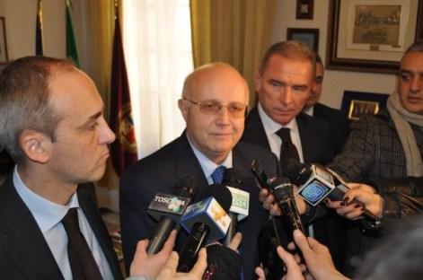 """Il questore di Firenze Francesco Zonno al termine dell'Operazione """"Talking Tree"""""""