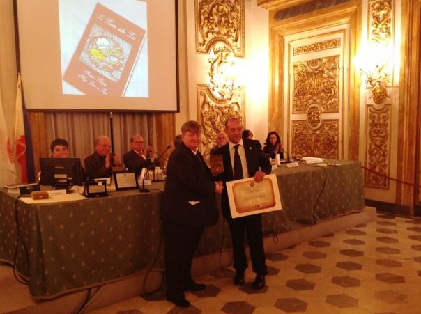 Da sinistra Vladimiro Barberio presidente dell'Associazione Nazionale Italo-Filippina Giustizia e Diritto e Fabio Fanfani, console onorario delle Filippine a Firenze