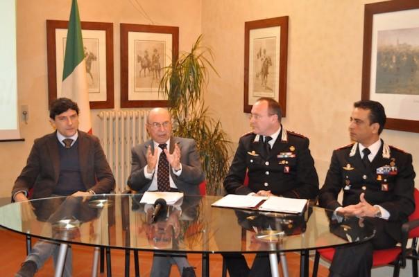 Un momento della conferenza stampa di stamani con il procuratore della Repubblica Giuseppe Quattrocchi (secondo da sin.)