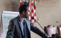 Pistoia: sindaco e giunta comunale Pd sotto inchiesta per le assunzioni dei dirigenti. Il procuratore Canessa: violato il segreto istruttori...