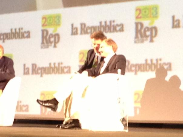 Dan Brown nel Salone dei Cinquecento a Palazzo Vecchio
