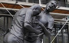 Testata di Zidane diventa una statua, Materazzi: «Mai fatta pace»