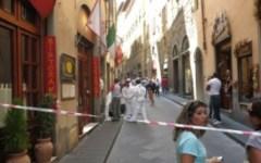 Omicidio di via Condotta a Firenze, caccia a due persone