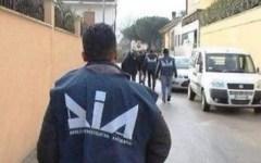 Mafia, sequestrata a Pisa l'edicola del figlio di un boss