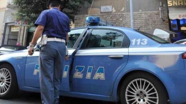 L'intervento di tre senegalesi ha aiutato la Polizia ha catturare uno scippatore tunisino