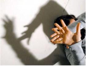 Due i casi di violenza contestati al giovane. Vittime ragazze cinesi