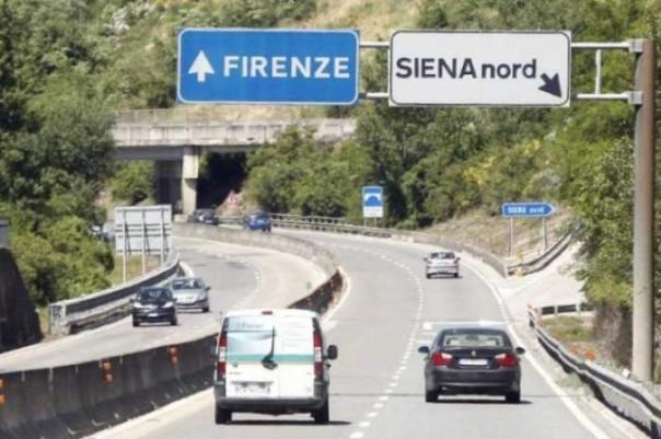 Lo svincolo di Siena nord dell'Autopalio dove il proiettile è stato esploso
