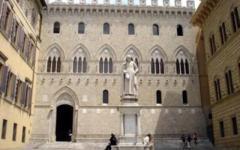 Monte Paschi: Renzi vorrebbe evitare l'intervento pubblico, ma Padoan preme