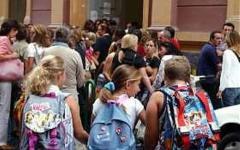 Scuola, il ministero conferma: ragazzi toscani in classe dal 15 settembre