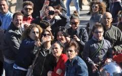 In mille a Taranto ad accogliere Nave Zeffiro (Foto)