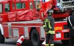 Incendio, i pompieri salvano una disabile a Santa Croce sull'Arno