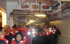 Concordia, testimone: «Vidi Schettino aiutare i passeggeri a bordo»