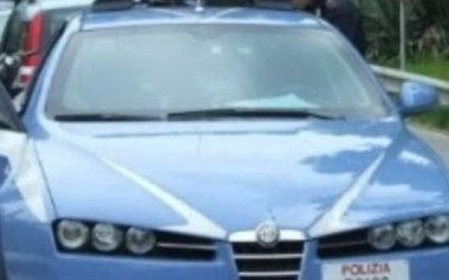Autotreno intraversato sulla Fi-Pi-Li, autista ferito e traffico in tilt verso Firenze