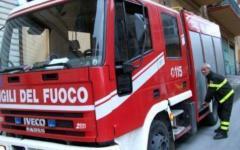 Esplode una capanna per gli attrezzi in Lucchesia, muore 77enne