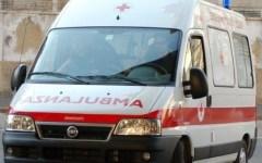 Arezzo, perde il carico di olive e provoca un incidente