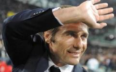 Calcio, Antonio Conte premiato a Viareggio