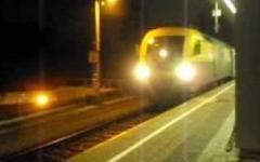 Stop treni euronight per scambio guasto, passeggeri a piedi