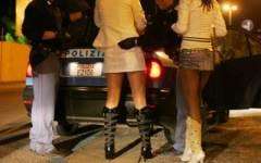 Sfruttamento della prostituzione, 7 arresti