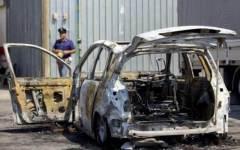 Livorno, incendiati cassonetti e auto